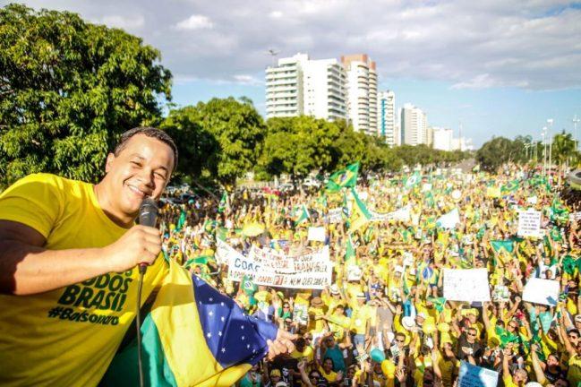 Deputado Delegado Pablo em manifestação a favor do Governo Federal. Foto: Divulgação