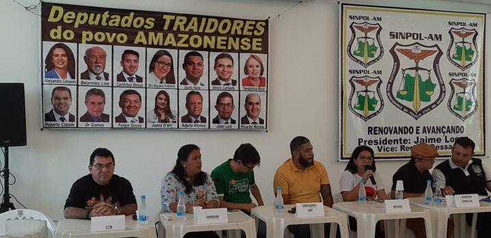 Foto: Rosiene Carvalho. Coletiva dos sindicatos e associações de servidores públicos para convocação de greve por tempo determinado.