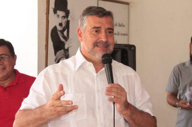 Foto: Deputado Paulo Pimenta (PT-RS) em Manaus. Divulgação - PT