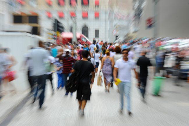 Centro de São Paulo. Pessoas caminham na Praça do Patriarca, em São Paulo. 23/02/2016 Foto: Marcos Santos/USP Imagens (Agência Brasil)